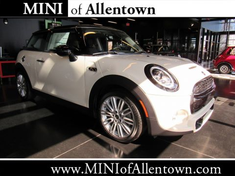 New 2019 MINI Signature Line Hardtop 2 Door Cooper S